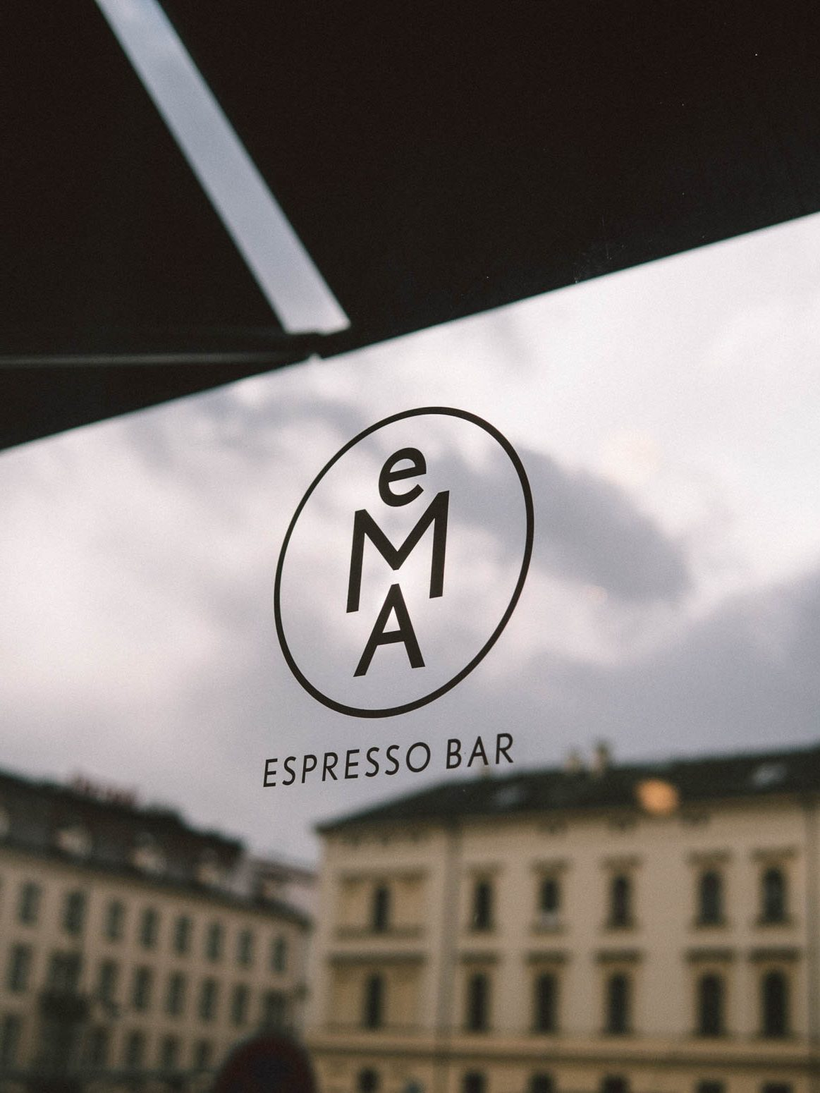 prag-praha-prague-travel-city-visit-street-old-town-cafe-ema-espresso-bar-cool