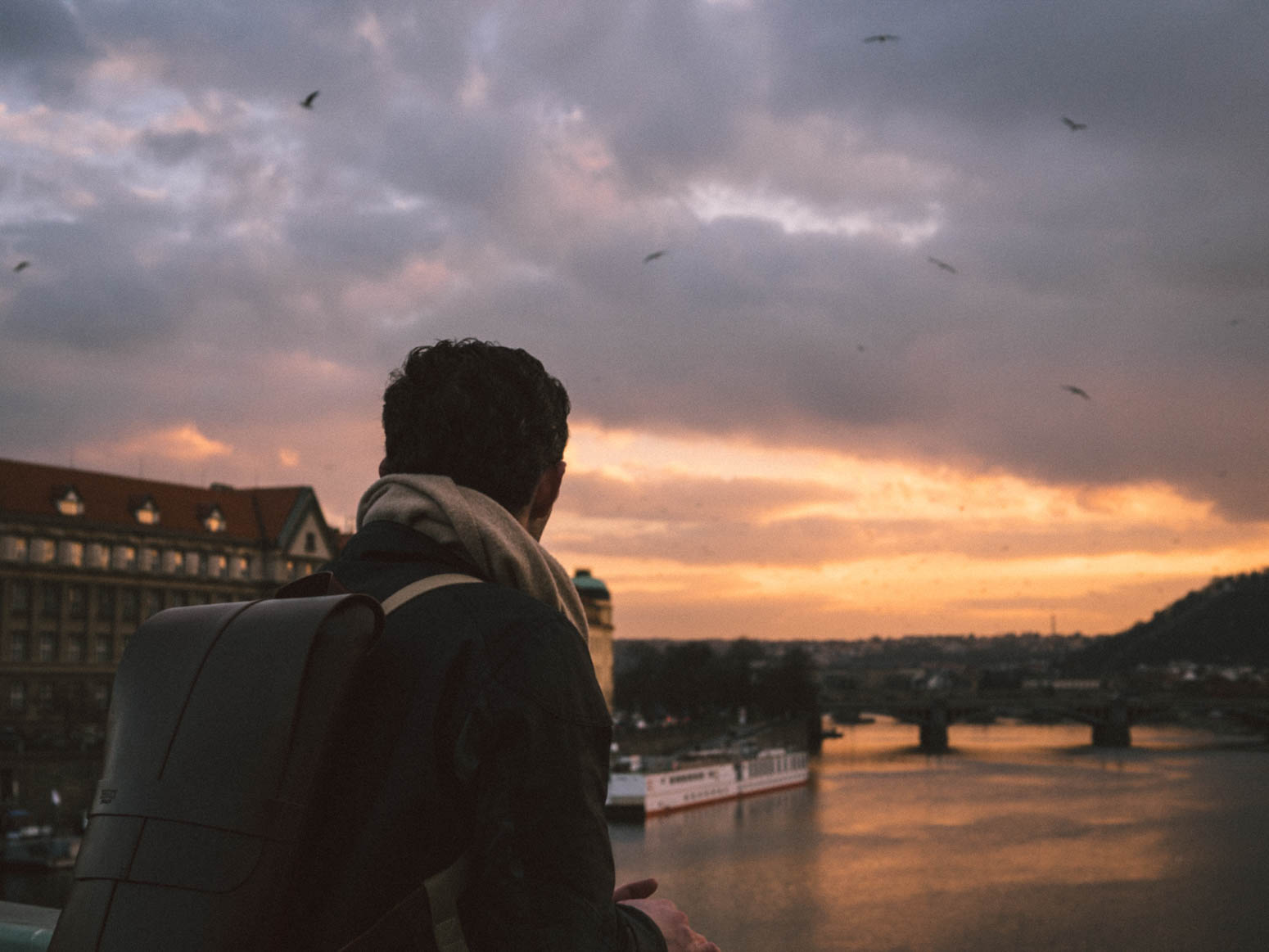 prag-praha-prague-travel-city-visit-view-sunset-philipp-brooks-backpack (2)